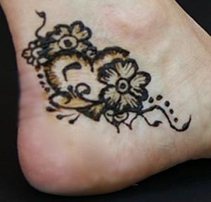 henna foot